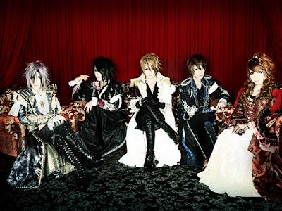 Portada+Nueva imagen de ''Versailles''!