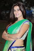 Yamini bhaskar glamorous photos-thumbnail-5