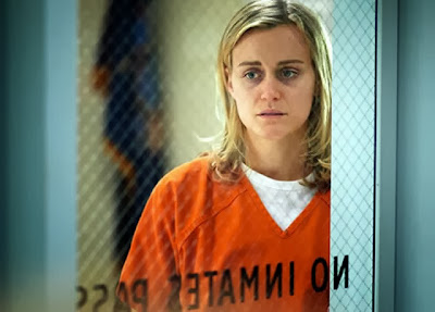 funny Taylor Schilling is Piper the innocent newbie in Orange is the New Black