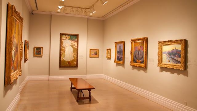 Interior do Museum of Art em San Diego