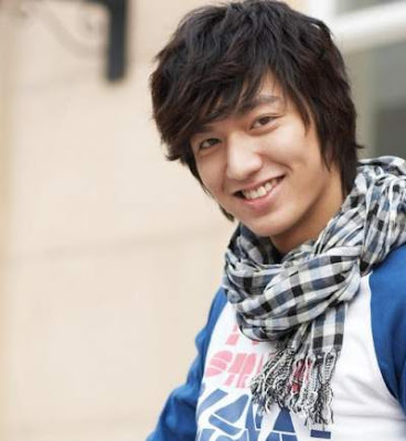 Model rambut oblique bangs Li Min Ho 2156477