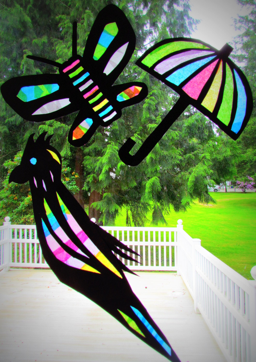 Learn to grow suncatcher tissue paper craft stained for Stained glass window craft with tissue paper