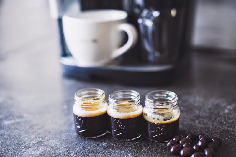 samadar-kinte-porque-eu-deixei-de-tomar-cafe-copos-de-cafe
