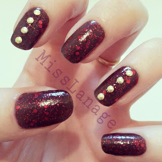 fantasy-makers-once-upon-a-time-gold-stud-nail-art