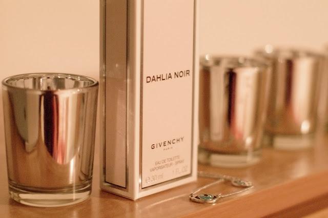givenchy, dahlia noir, perfume, fashion blogger, beauty essentials
