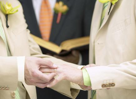 Governo escocês quer legalizar casamento igualitário