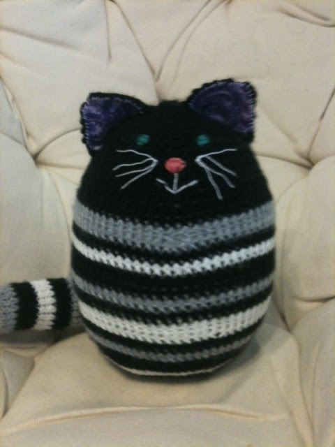 Knitting Toys--An Elephant and a Frog (Updated: Newly finished Kitty) The W...