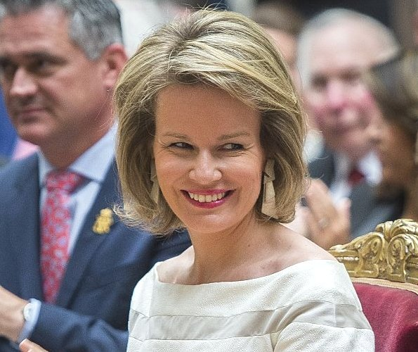 Queen Mathilde Attended An Award Ceremony In Brussels