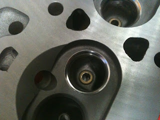 Replacing outlet valve seats Volvo 122s B20B engine