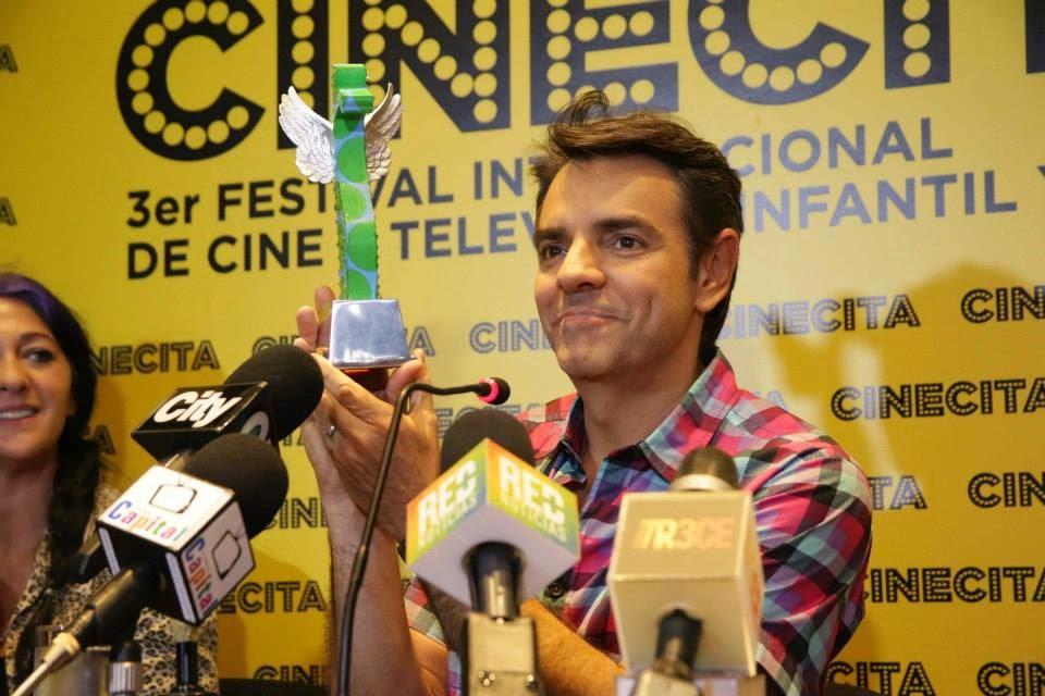Trofeo para Eugenio Derbez