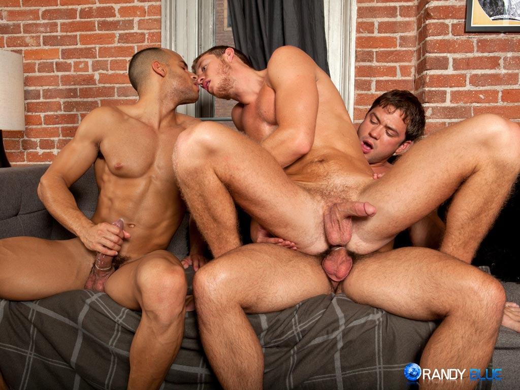 Trios gay y lesbi