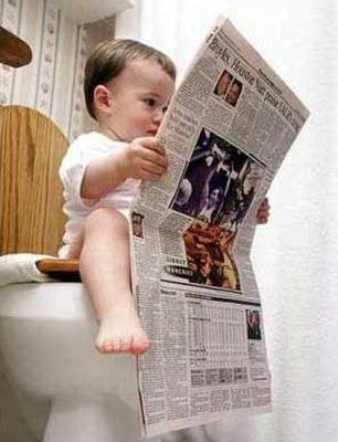 baby in toilet.jpg+potty+blog.jpg+POTTY Tips Mengatasi Diare pada Bayi dan Anak