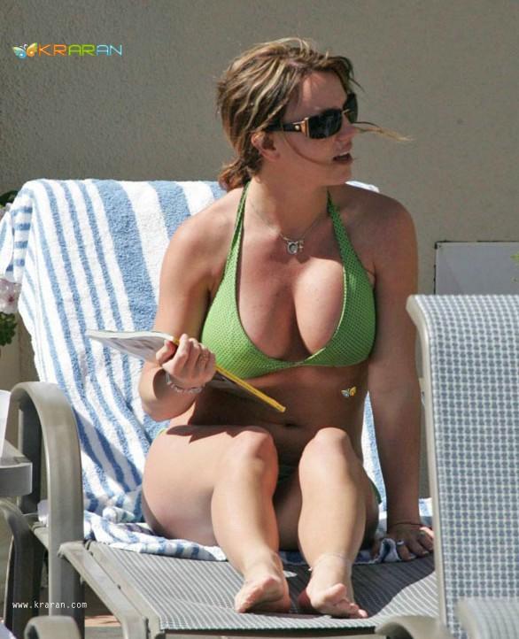Britney Spears latest hot scans in Bikini