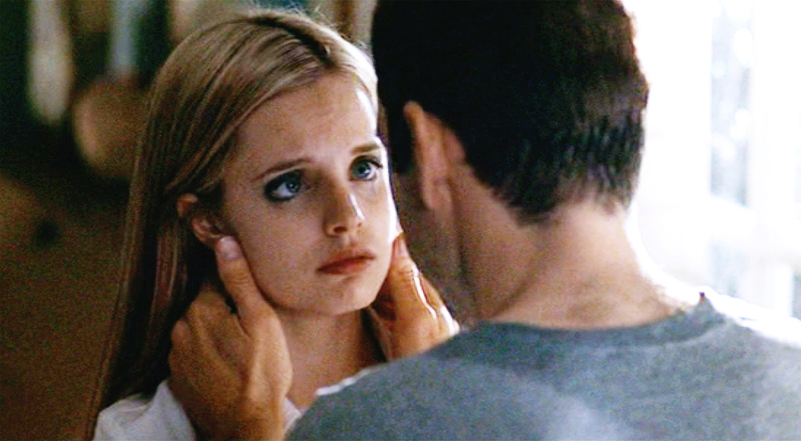 an critique of sam mendes directed american beauty T he reputation of american beauty, the cinematic debut of the young british stage director sam mendes, has compounded at an extraordinary, exponential rate since its.