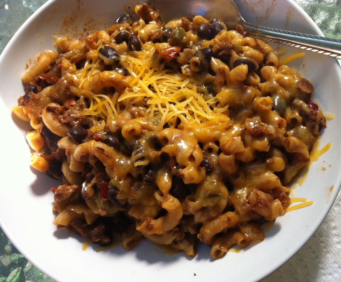 the vegetexarian: vegetarian chili mac