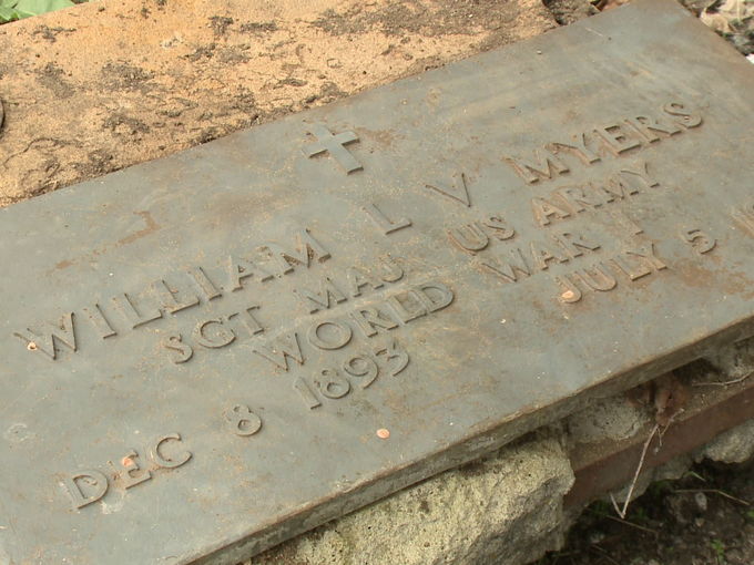 http://www.krem.com/story/news/local/spokane-county/2015/04/25/spokane-valley-man-finds-wwi-headstone-in-his-yard/26359081/