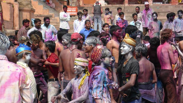 Holi festival (jóvenes)