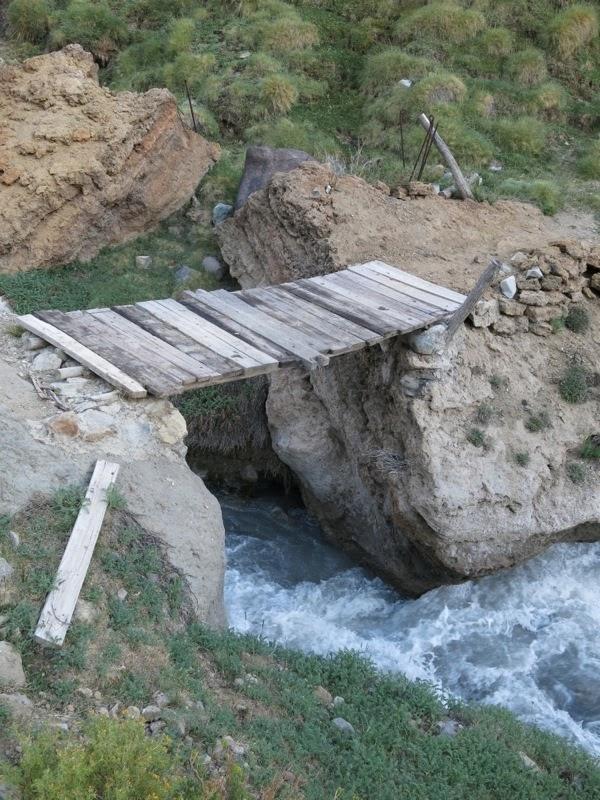 Die Brücke über den Río Museo