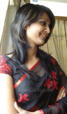Bangladeshi Hot Girls Romantic Pictures