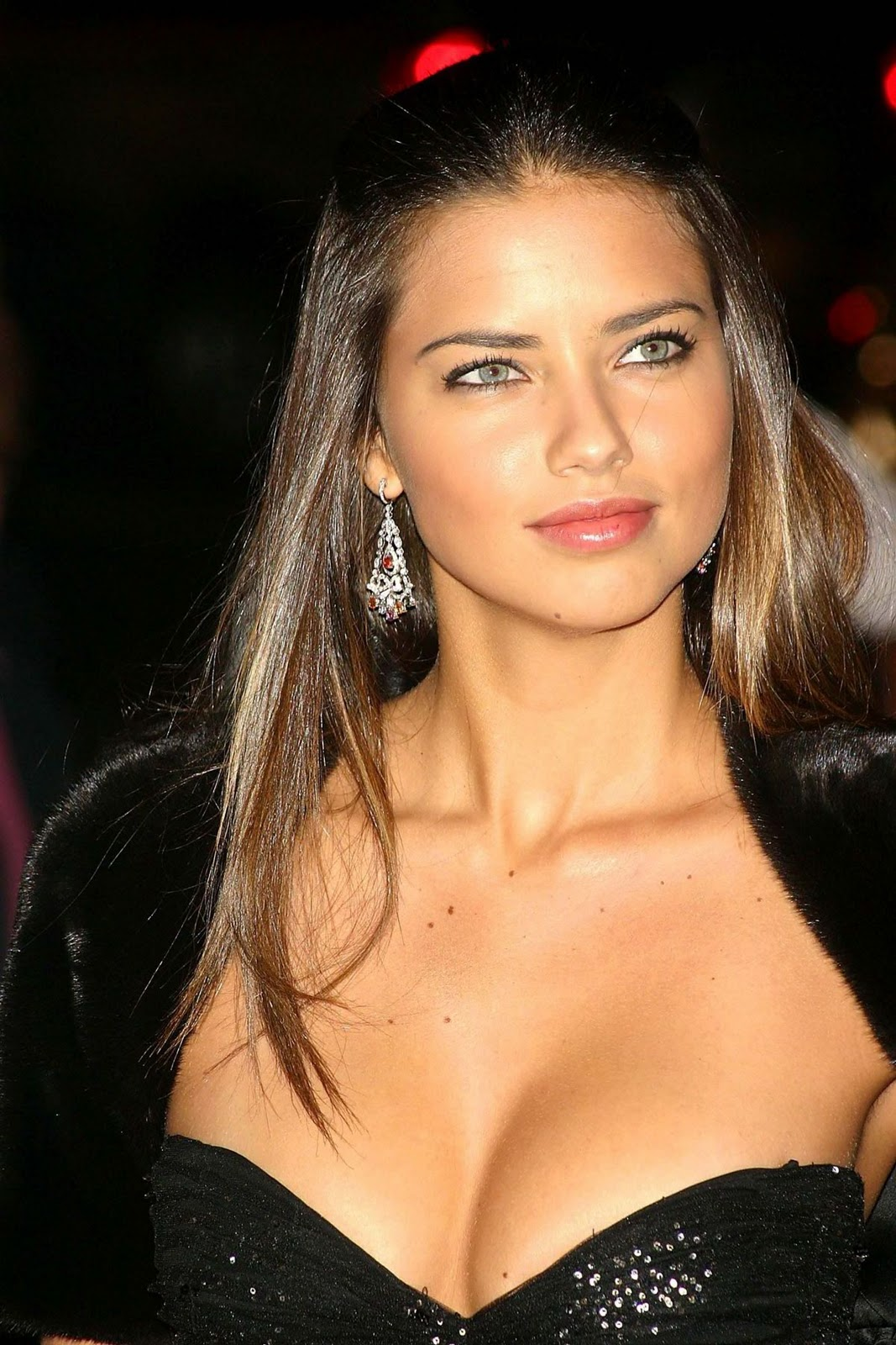 Cleavage Adriana Lima See naked (83 foto and video), Sexy, Sideboobs, Boobs, lingerie 2019