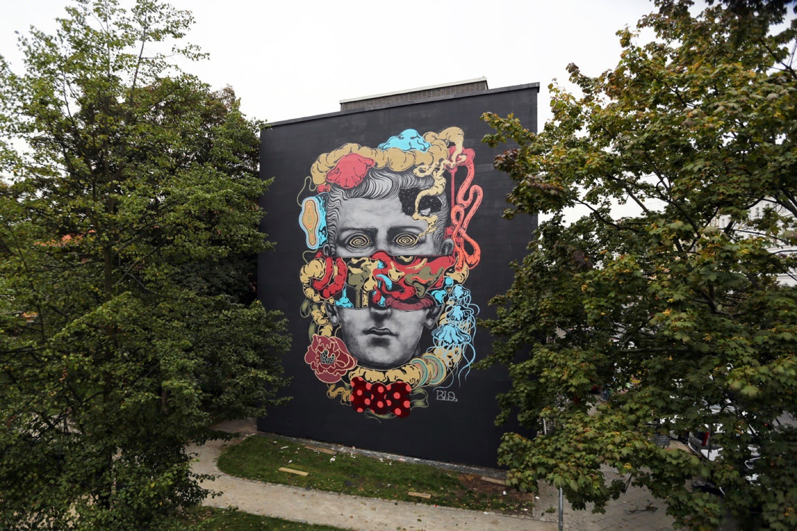 Blo from DMV (Da Mental Vaporz) is currently in Berlin, Germany where he just finished working on this new piece.