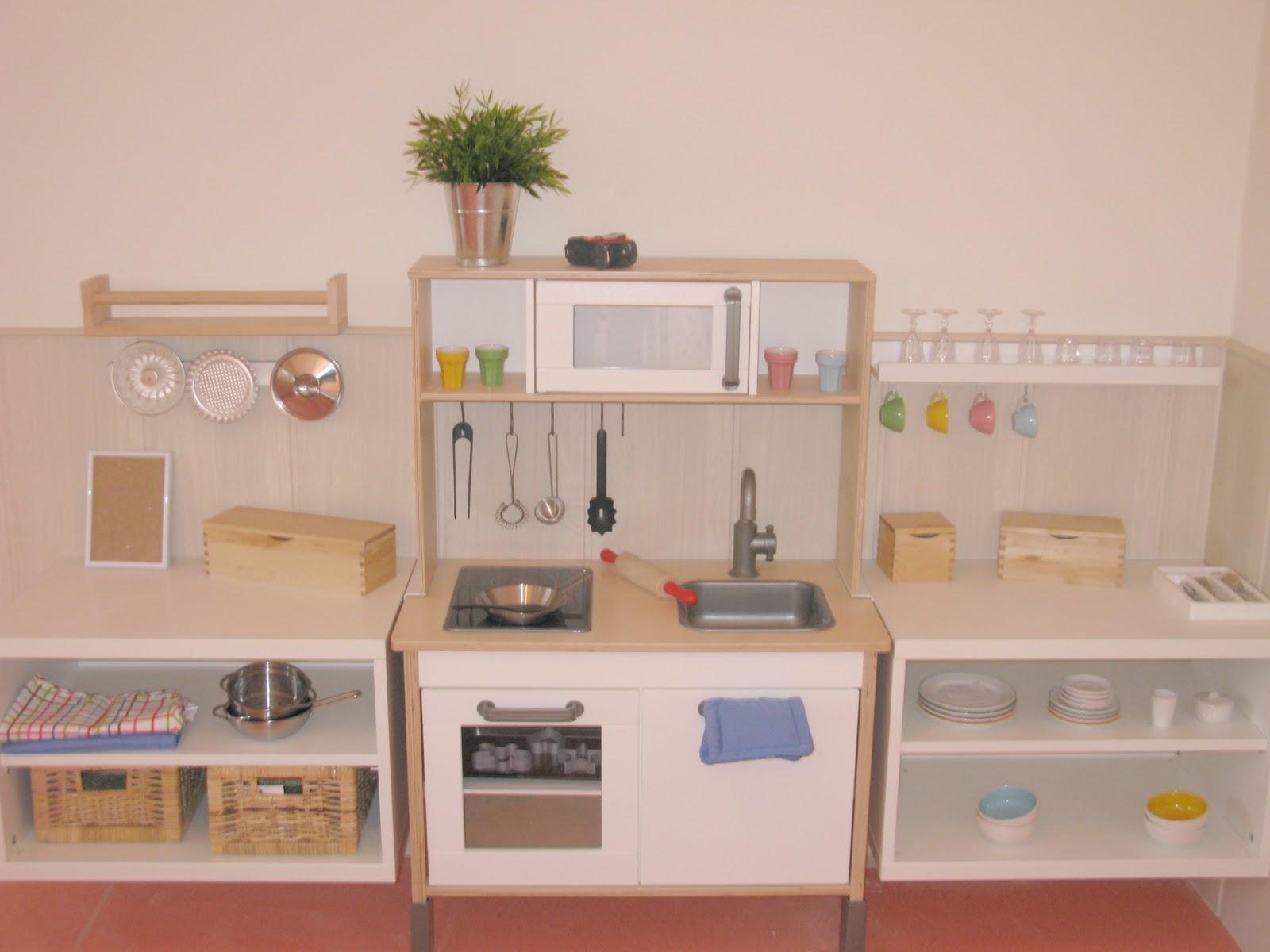 LxxL: Cozinha de Brincar com móveis do Ikea #9C332F 1600 1200