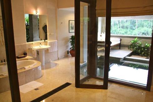 Viceroy Hotel Ubud Bali Bathroom