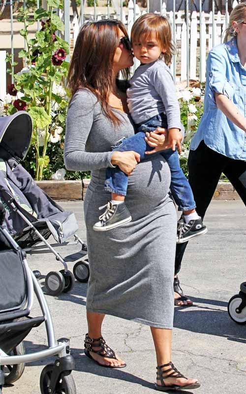 Kourtney KardashianKourtney Kardashian Pregnant Style 2012
