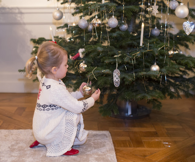 Princess Estelle Christmas 2014 Video & Photos