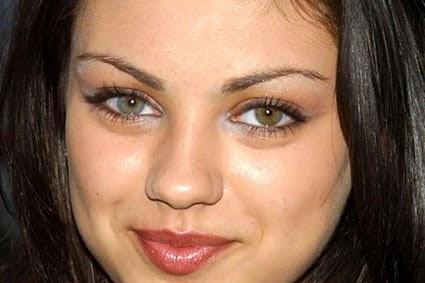 10 Famosos con Heterocromia, Ojos de Diferentes Colores
