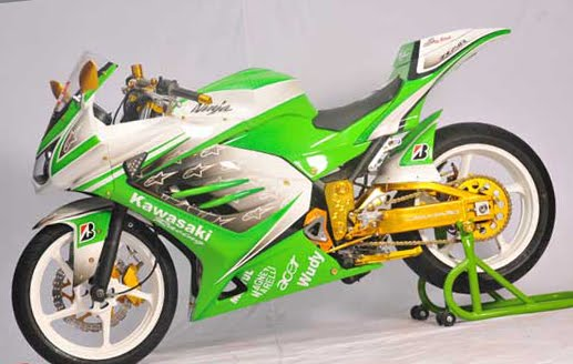Kawasaki-Ninja-250-Kontes-Modifikasi-2012-a