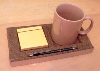 TATAKAN Unik dari KARDUS untuk Pena, Notes, & Coffee Mug