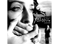 Yoanna, un peu brisée