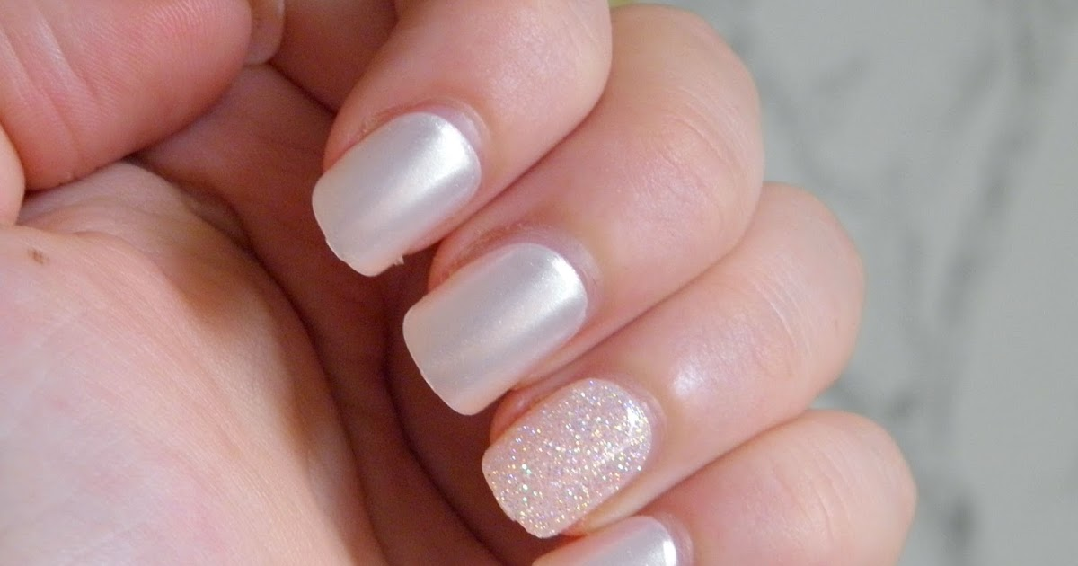 imPress Press-on Nails in \'Swept Away\' - // GEEK GETS GLAM //