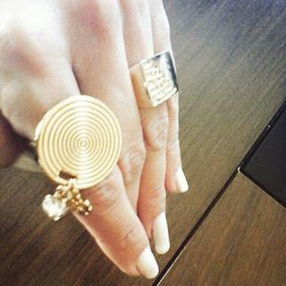 anel dourado