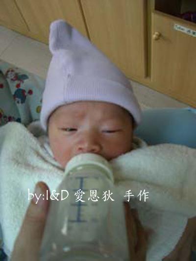 母乳日記-初生(醫院瓶餵)