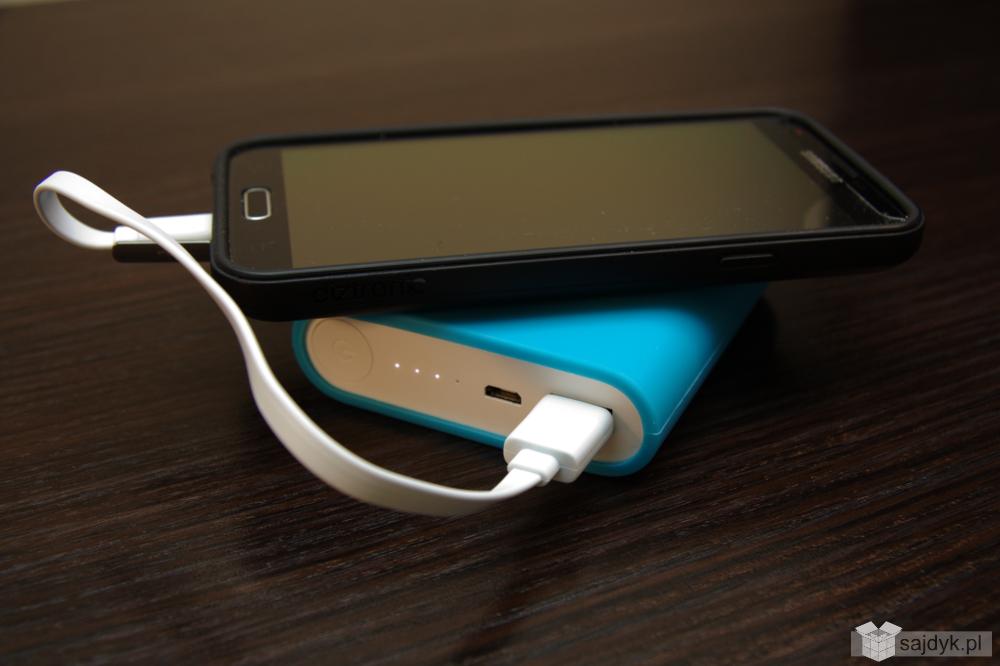 Ładowanie telefonu kablem USB typ A do micro USB typ B