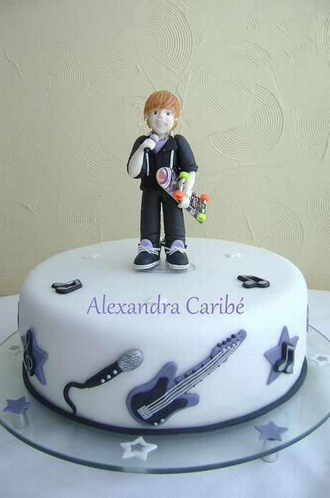 pictures of justin bieber birthday cakes cakes. Justin Bieber Birthday Cakes.