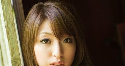 Ảnh gái đẹp Thái Lan tươi tắn trong trang phục công sở
