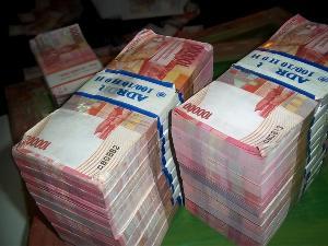 Uang Rupiah Milyaran