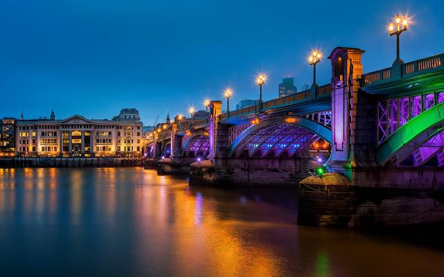 Imagenes del Puente Southwark Bridge en la Ciudad Londres en la Noche