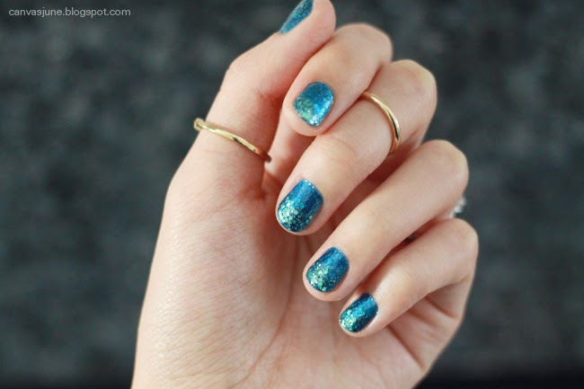 nail art, forever 21 nail polish, blogger nail art, nail art design, glitter nails, transition color nails, blue nail polish, glitter nail polish, fashion blogger nail art, holiday nails, holiday nail colors, nail polish review