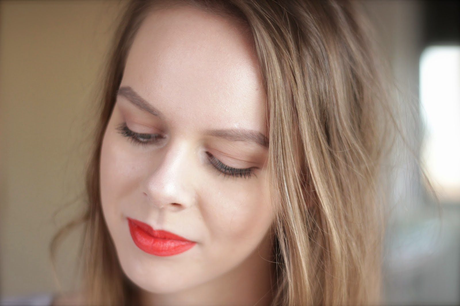 makeup look orange lip
