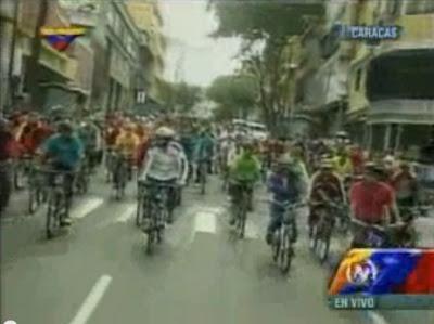 Nicolas Maduro dá malho a andar de bicicleta