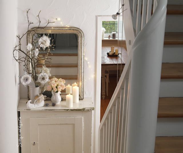 Magnolien Zweig mit Shabby Chic Rosetten Ornamente