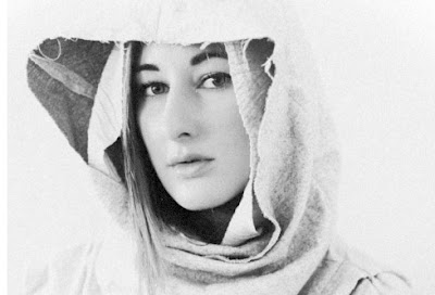 "ZOLA JESUS ""Diamonds"" (RIHANNA cover)"