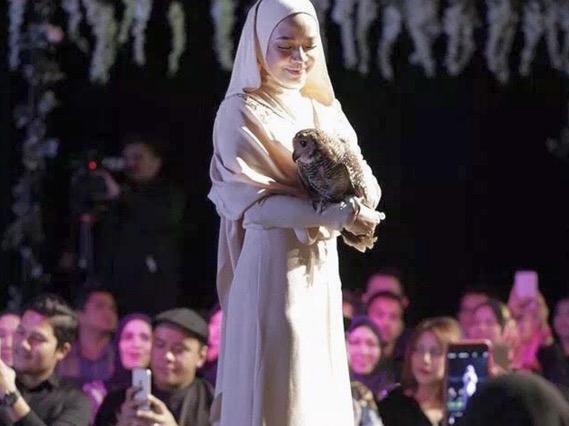 Nora Danish Buka Mulut Isu Fesyen Umpama Rahib Gereja