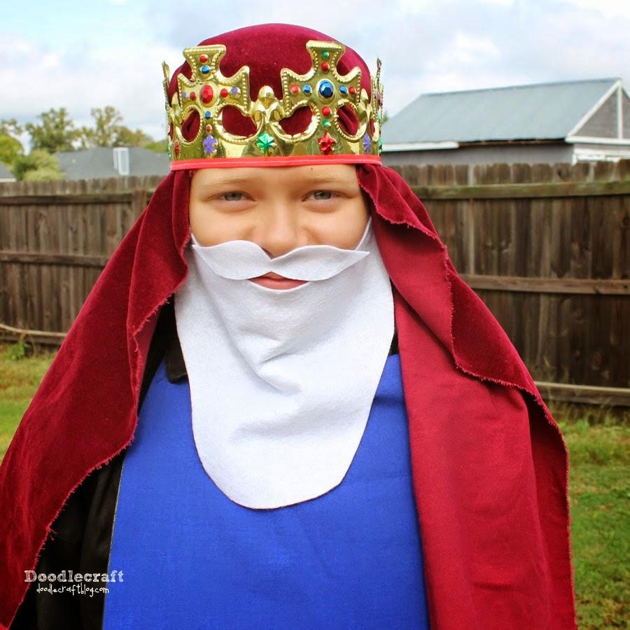http://www.doodlecraftblog.com/2014/10/the-nativity-3-wisemen-king-beards.html
