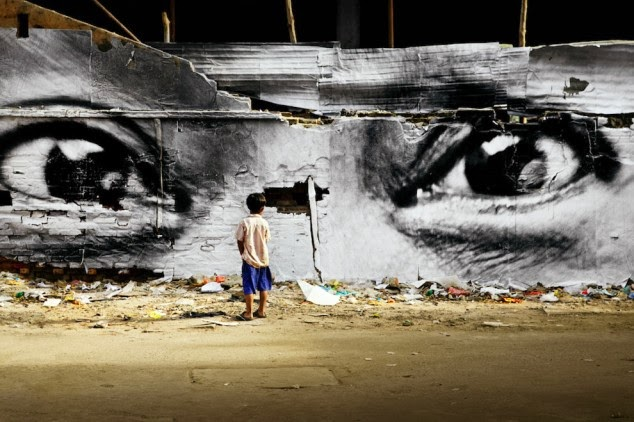 Street Art Paintings giant eyes