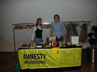 http://amnesty-luxembourg-photos.blogspot.com/2008/10/conference-pauvrete-et-dh-avec-caritas.html